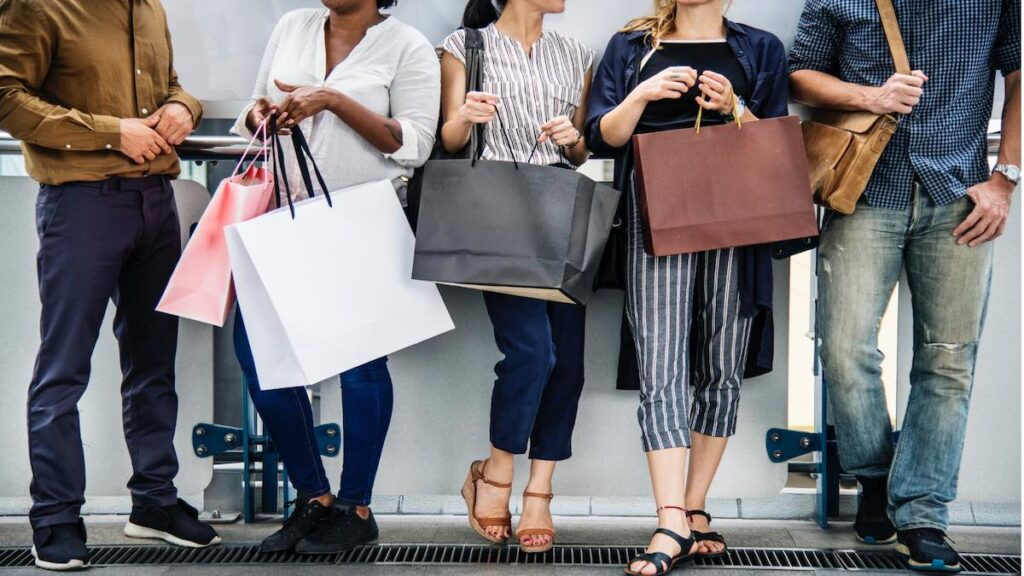 How Will 2021 Change the International Clothing Manufacturers Market?